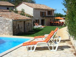 Kovaci sleeps 10, Kastelir Istria