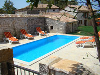8m x 3m pool with room for ten loungers in Kovaci, Istria